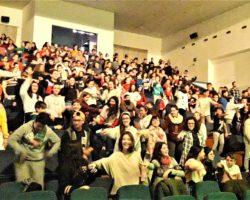 El alumnado apoya y disfruta con los 'rockeros' de 'Activa tu ocio y Di capacitados'