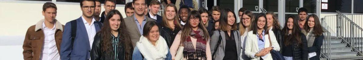 Nuestro alumnado becado junto a compañeros y profesores en Francia.