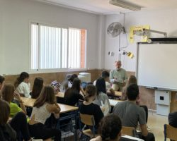 Charla sobre cultura francesa al alumnado de 2º Bachillerato